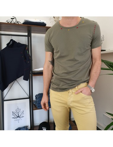 T-shirt ricami verde militare